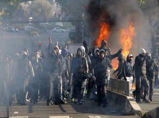 париж погром столкновение протест полиция