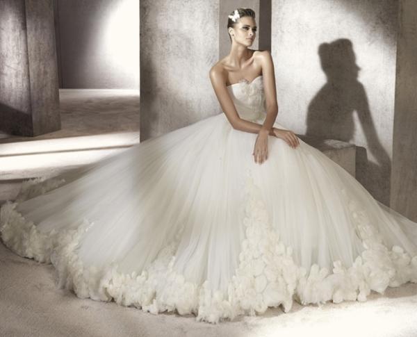 Изобр по > Роскошные Свадебные Платья