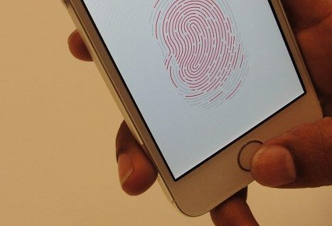 Как на айфоне 5 s сделать отпечаток пальца на9